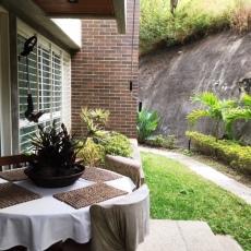 Comedor al aire libre en terraza